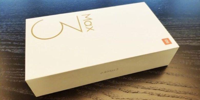 Kotak Kemasan Xiaomi Mi Max 3 Telah Dipamerkan Oleh CEO Xiaomi