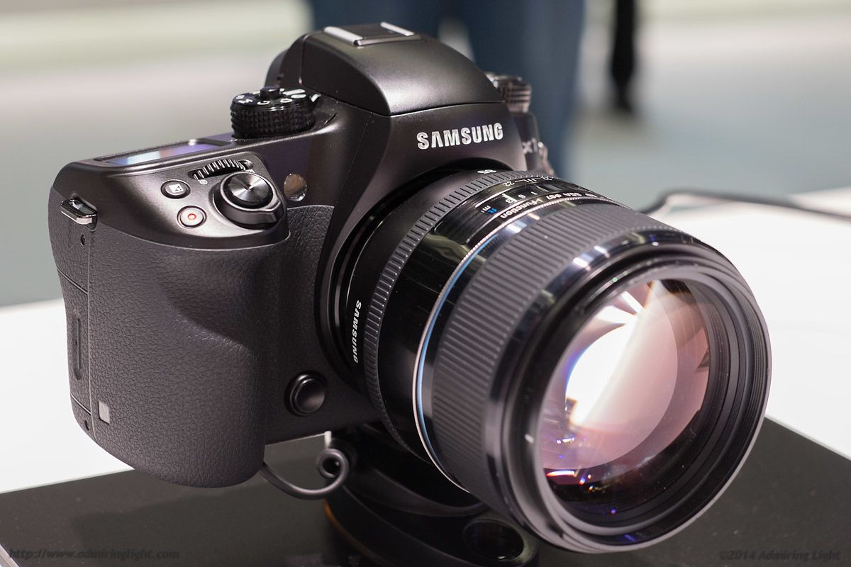 Suka Ngevlog ? Ini Rekomendasi Kamera Mirrorless Terbaik Buat Kalian !
