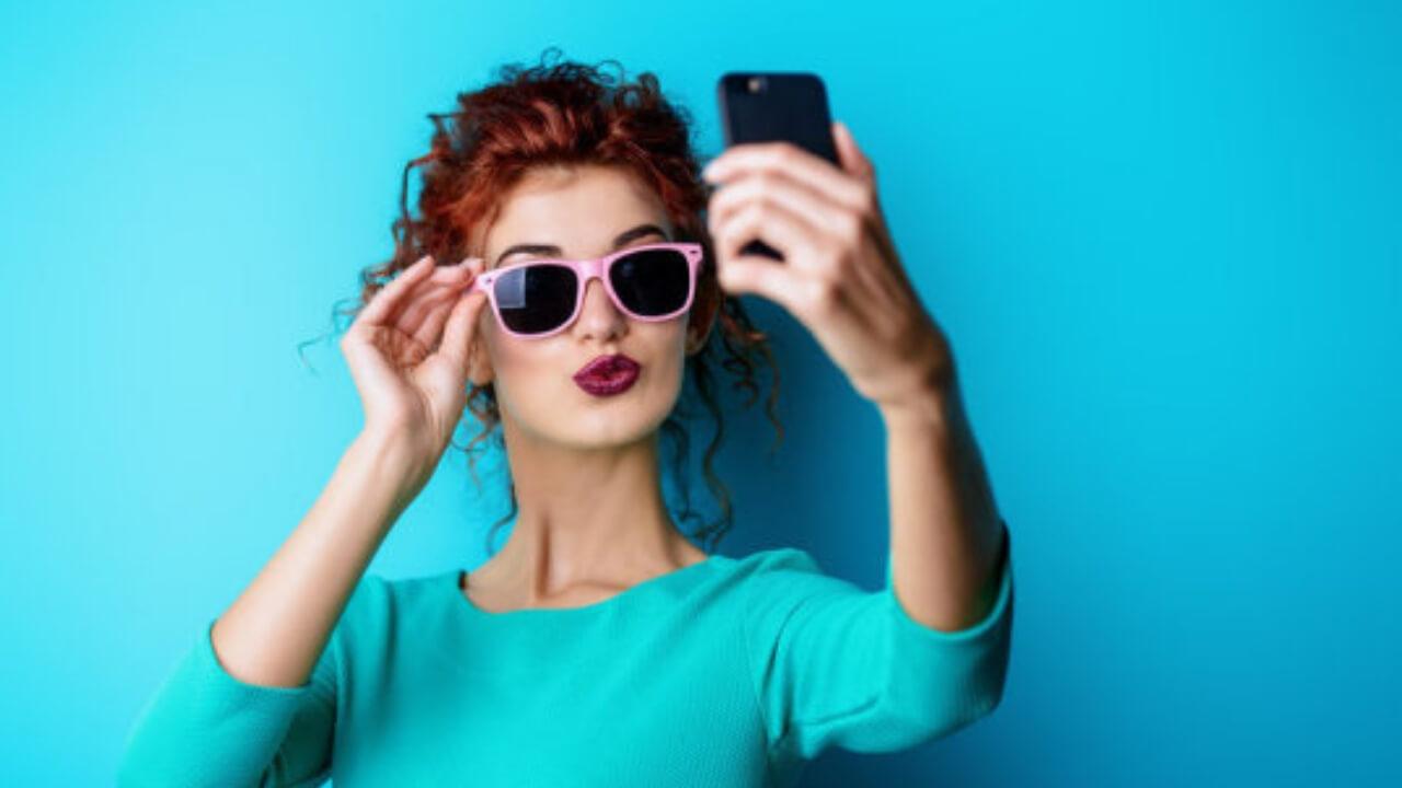 Suka Selfie ? Coba Intip Rekomendasi Smartphone Dari Kami !