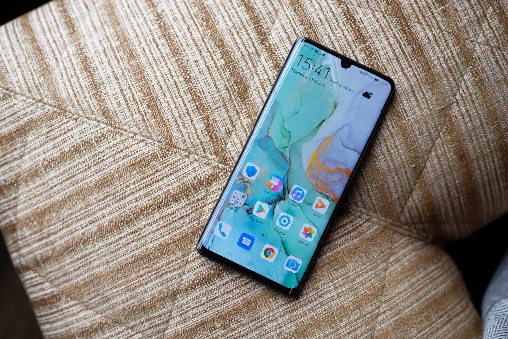 Huawei Bakal Bagi-Bagi P30 Pro Gratis Loh, Mau Ga ?